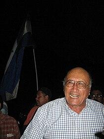 Carlos H Reyes.jpg
