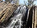 Cascada en los prismas basálticos de Santa María Regla.jpg