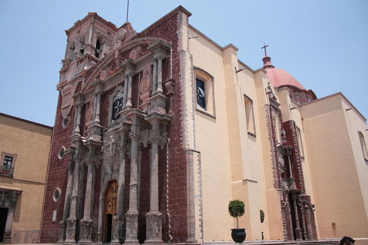 fachada del templo de san felipe Neri