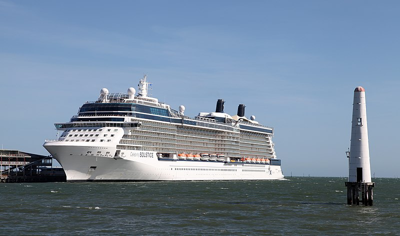 File:Celebrity Solstice in Port Melbourne, Australia Dec 2012 (02).jpg