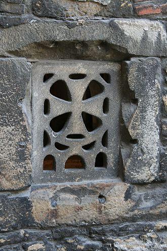 Leocadia - Image: Celosía cripta de santa Leocadia