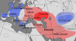 Διαχρονικός χάρτης που δείχνει τη γεωγραφική κατανομή των γλωσσών κέντουμ (μπλε) και σάτεμ (κόκκινο). Η προτεινόμενη περιοχή όπου ξεκίνησε η αλλαγή σε σάτεμ γλώσσες με σκούρο κόκκινο (πολιτισμοί Σιντάστα-Πέτροβκα, Αμπάσεβο, Σρούμπνα).