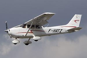 Cessna 172S Skyhawk SP, prywatne JP6817606.jpg