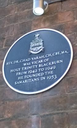 Photo of Chad Varah blue plaque