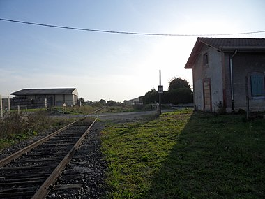 At the Champdôtre-Pont train station.  Line of sight Trouhans