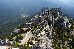 Balade en Pays Cathare 300px-ChateauPeyrepertuse
