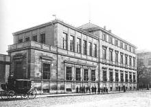 Gebaude In Der Maxstrasse 4 Vor Museumsnutzung Im Hintergrund Die Maxschule Wohl 1913