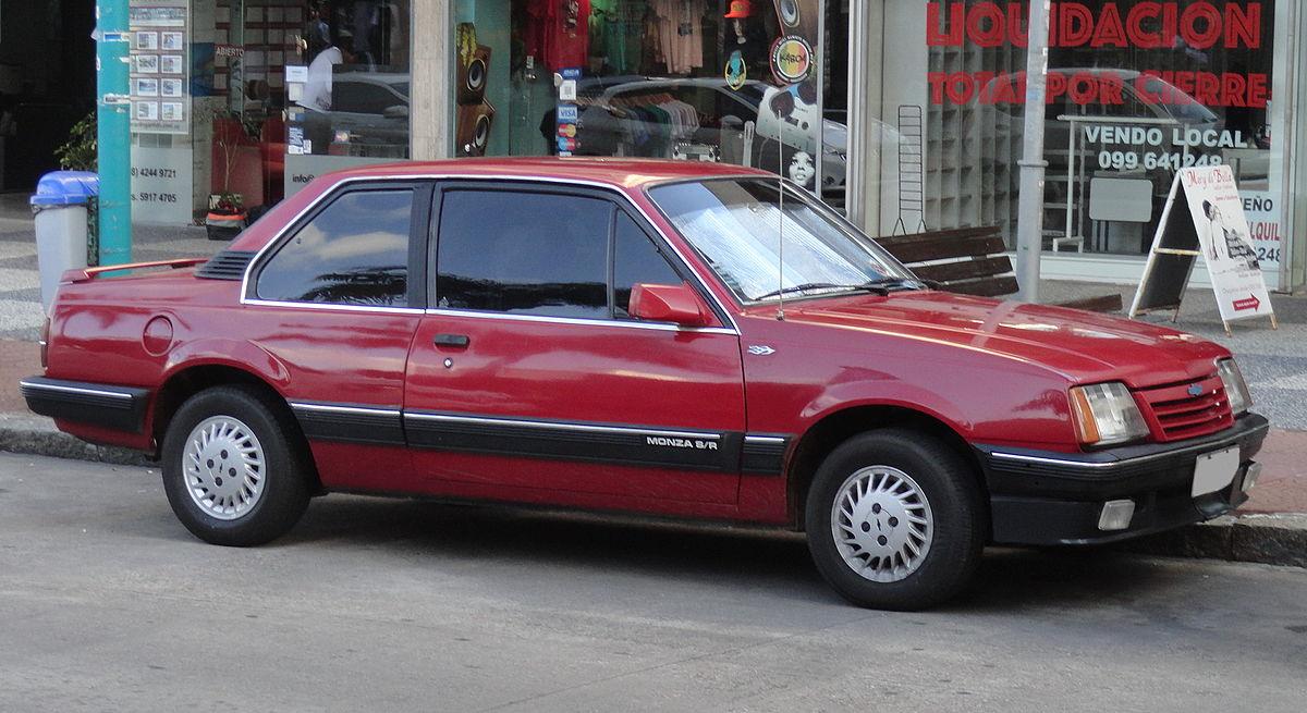 Ficheiro Chevrolet Monza 1 8 Sr Sedan In Punta Del Este 01 Jpg