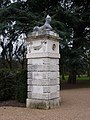 Chiswick House, Sphinx on gateway pillar (geograph 2272630).jpg