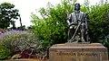 Christoph Columbus monument (Funchal) (38067119142).jpg