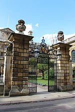 File:Clare College, Cambridge - Gates and Railings to Trinity Hall Lane.JPG