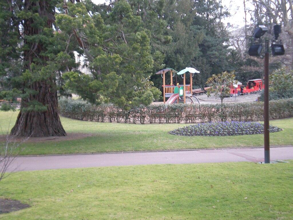 File clermont ferrand jardin lecoq jpg wikimedia commons - Massif jardin japonais clermont ferrand ...