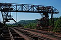 Closer look at the crane used to pick up and dump iron ore - panoramio.jpg