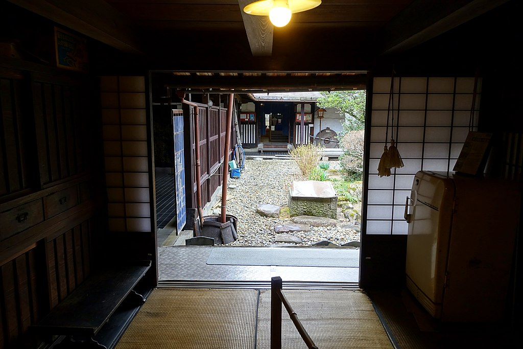 Courtyard - Hirata Folk Art Museum - Takayama, Gifu, Japan - DSC06705