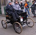 Crestmobile 1901 Runabout 1901 on London to Brighton VCR 2011.jpg