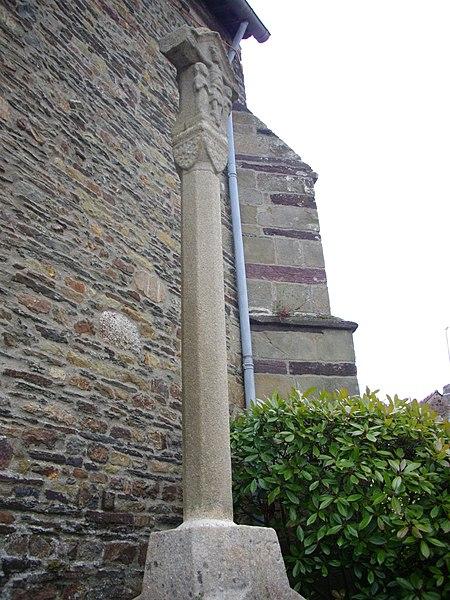 Cross near the Néant-sur-Yvel church (Morbihan, France)
