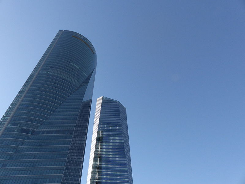 File:Cuatro Torres Business Area, una vista, Madrid, España, 2015.JPG