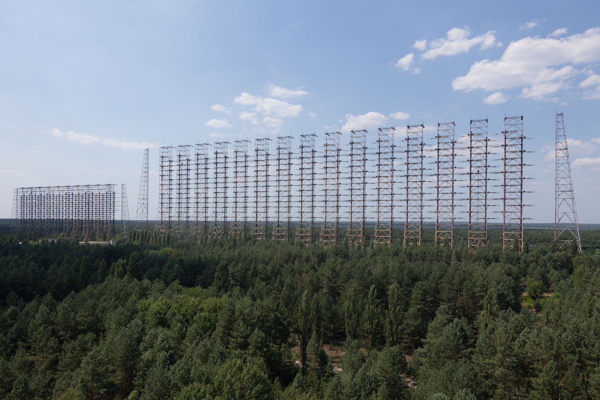 [Image: 1920px-DUGA_Radar_Array_near_Chernobyl%2...e_2014.jpg]