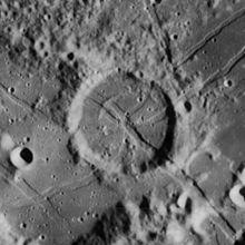 德·加斯帕里斯陨石坑