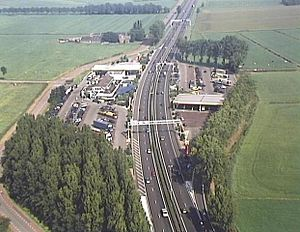 Motorway service area - De Lucht Rest Area on the Dutch A2. Many British MSAs at an on-line site have a layout similar to this one though on a larger scale.