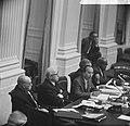 De regeringstafel met als tweede van links minister Samkalden van Justitie en ve, Bestanddeelnr 918-4313.jpg