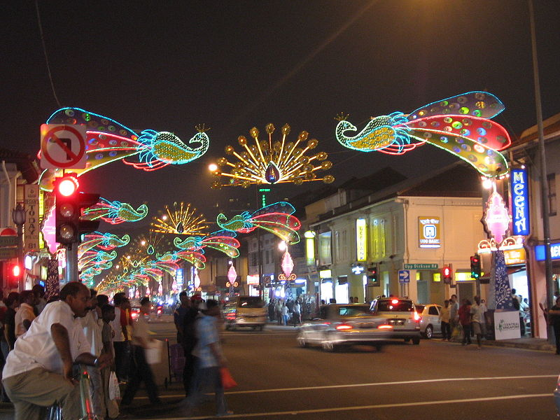 படிமம்:Deepavali 18, Little India, Singapore, Oct 06.JPG
