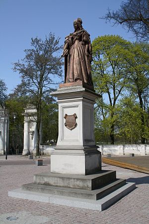 Countess Louise Henriette of Nassau - Luise Henriette of Nassau as a statue.