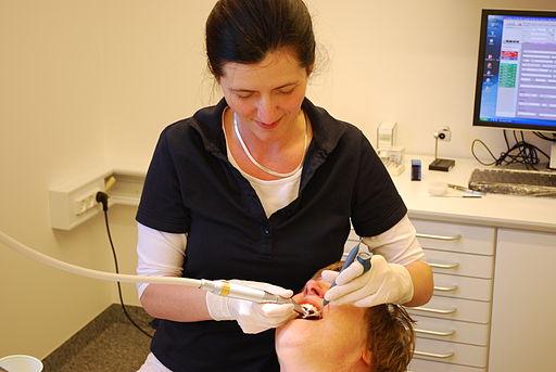 Dentist.1