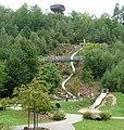 Der Erlebnispark Teufelstisch betont die Sichtachse zum Teufelstisch. - panoramio.jpg