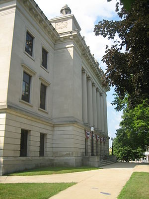 Lee County, Illinois - Image: Dixon Il Lee County Courthouse 3