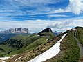 Dolomiti,inizio estate 2014 - panoramio.jpg