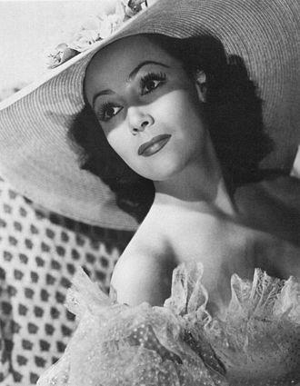 Golden Age of Mexican cinema - Dolores del Río in 1940.
