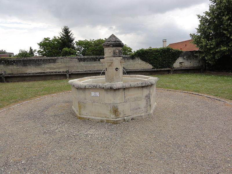 Dommiers (Aisne) fontaine