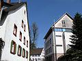 Dorfstraße in Heuweiler mit Gemeindehaus (rechts).jpg