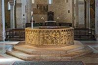 Duomo (Verona) - San Giovanni in Fonte - baptismal font.jpg