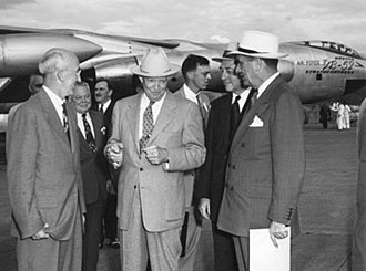 Presidency of Dwight D. Eisenhower - Eisenhower and members of his Cabinet inspect the YB-52 prototype of the B-52, c.1954