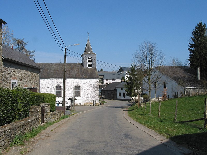 Engreux   (Belgium),  the neighbourhood of St. Anthony of Padua's church.