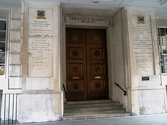 Worshipful Company of Carpenters - Entrance to Carpenters Hall in Throgmorton Avenue