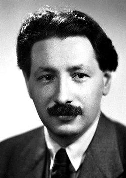 Ernst Boris Chain 1945.jpg