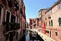 Es gibt an die 175 Kanäle in der Altstadt von Venedig - panoramio.jpg