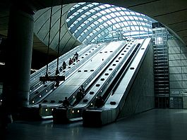 Escalators at Canary Wharf tube station.jpg