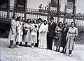 Esküvői csoportkép, 1946 Budapest. Fortepan 105060.jpg