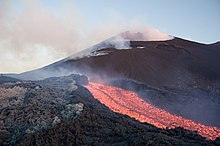 Eruzione subaerea (Etna, cratere di S-E. 2006).