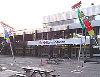 Euston station facade.jpg