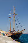Excursion boat - Athinios port - Santorini - Greece - 03.jpg