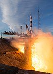 Expedition 58 Launch (NHQ201812030011).jpg