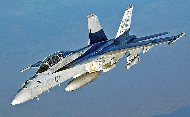 640px-FA-18_Hornet_VFA-41_retusche.jpg