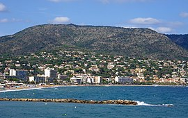 FR Le Lavandou seen from the seaside.jpg