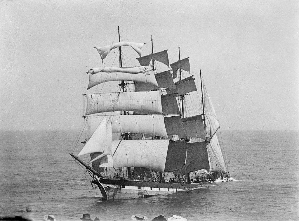 File:Falls of Halladale (ship, 1886) - SLV H91.250-373.jpg ...
