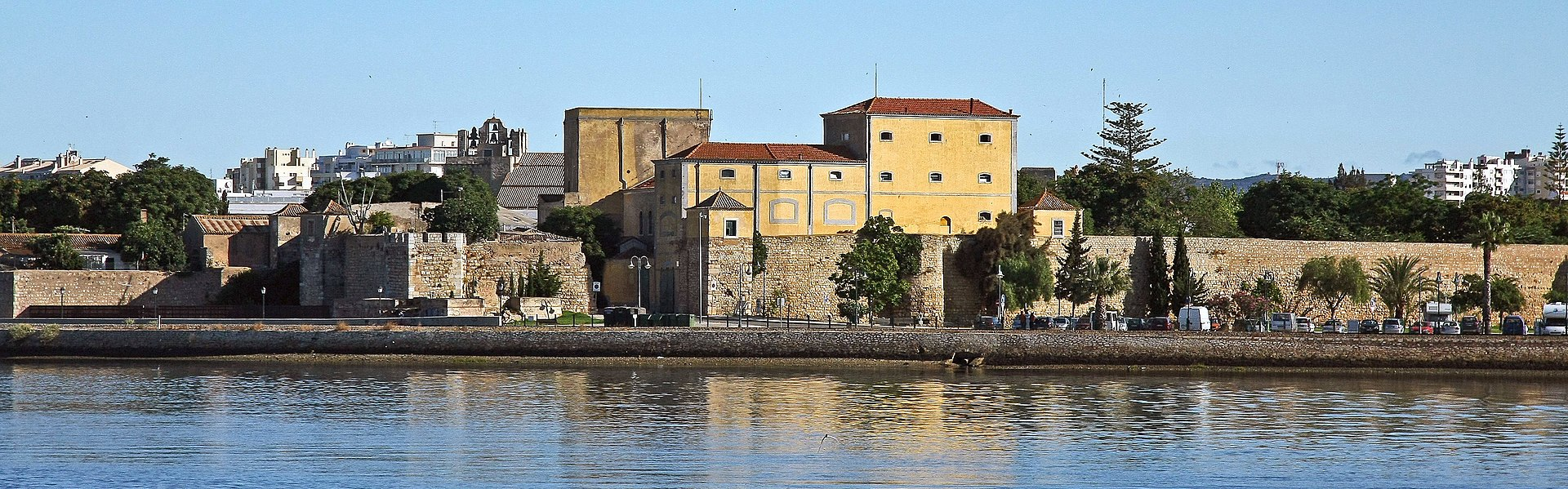 Faro - Portugal (16516337128) (cropped).jpg